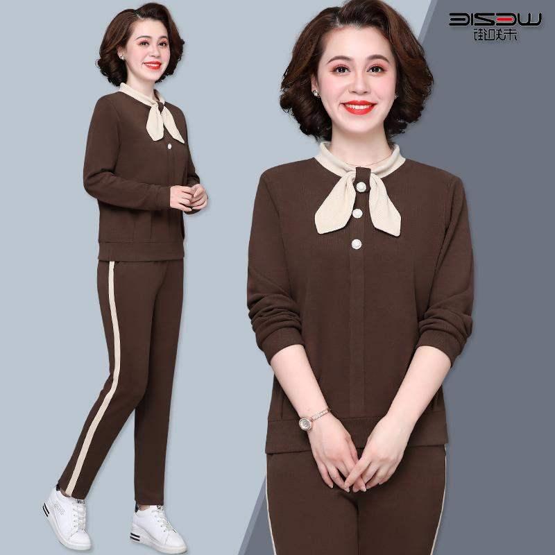 热卖正品牌中年妈妈休闲套装40岁50洋气减龄运动套装2020新款中老