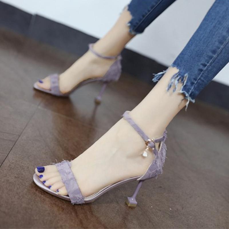 Small size high-heeled sandals women 313233 versatile 2019 new summer cat heel straight button high-heeled shoes large 41-43