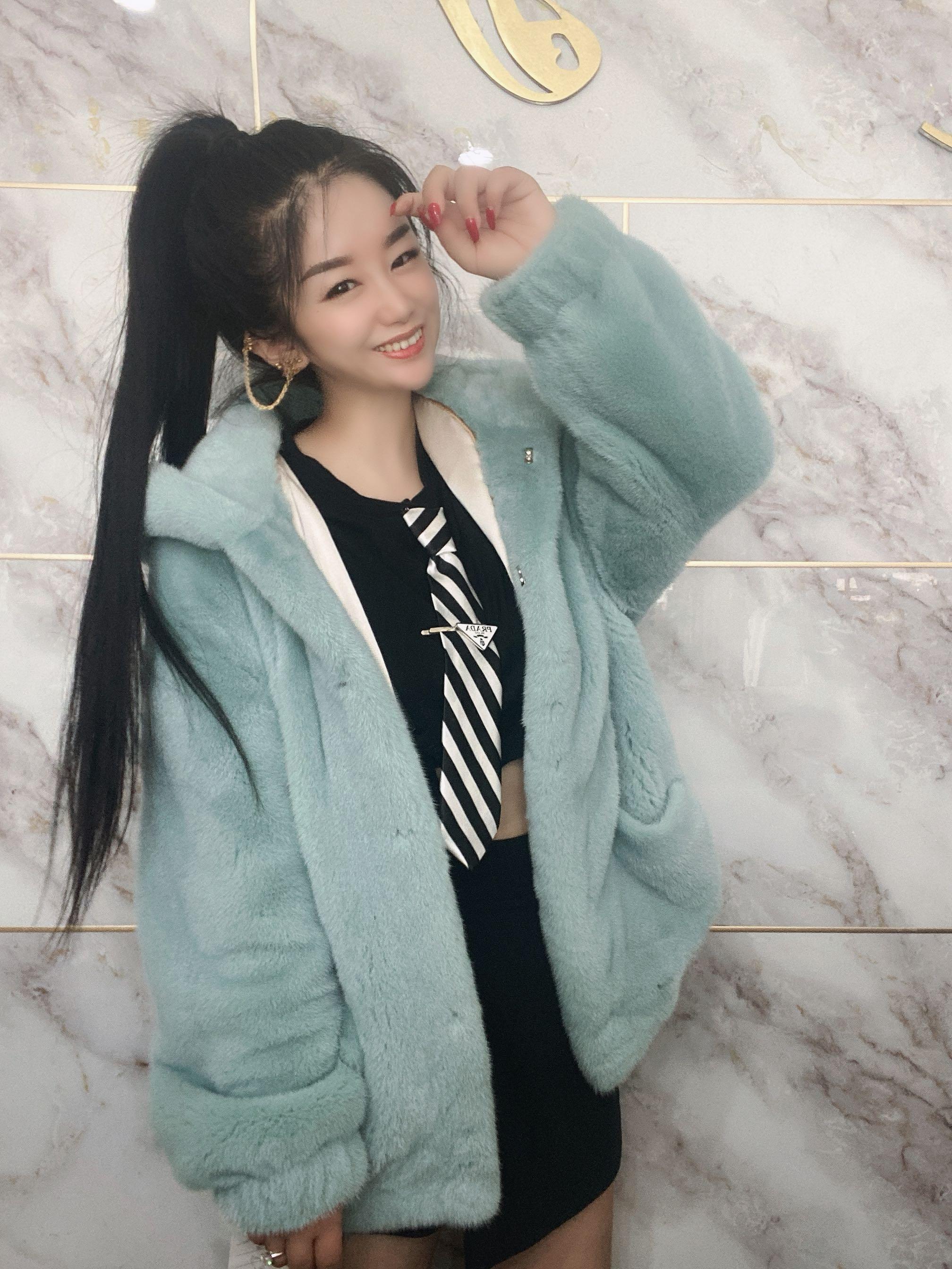 2020冬季新品进口天鹅绒整皮水貂母貂时尚韩版小夹克皮草外套女