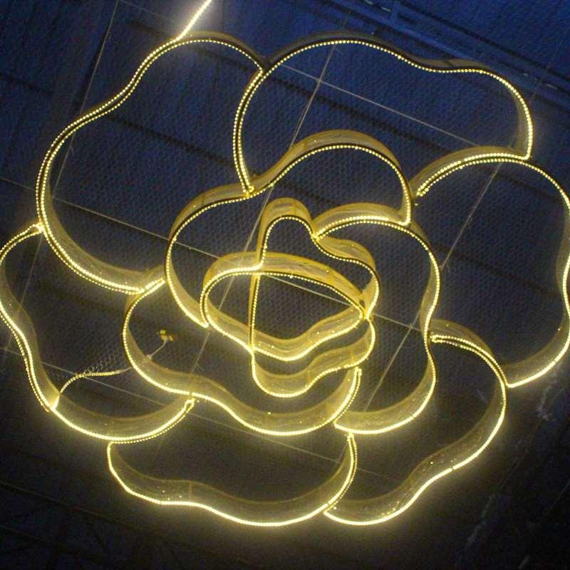 中國代購|中國批發-ibuy99|���������������|婚庆道具婚礼堂活动大型吊顶灯铁艺贴纱花朵造型空中装饰布置挂件