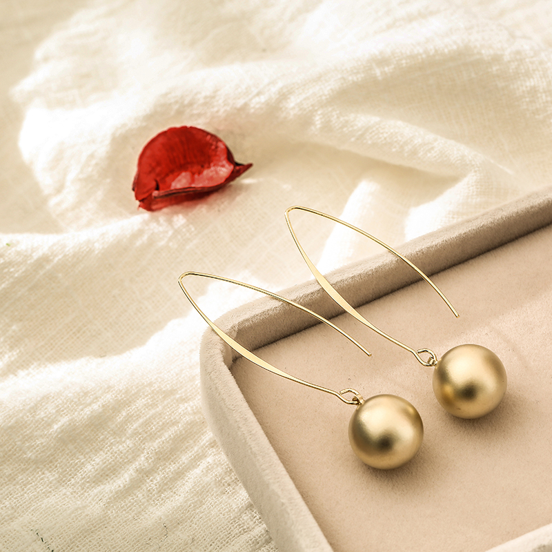 South Korea East Gate ear hook ball smooth extremely simple Long Fashion Earrings ins water drop earrings show face thin Earrings