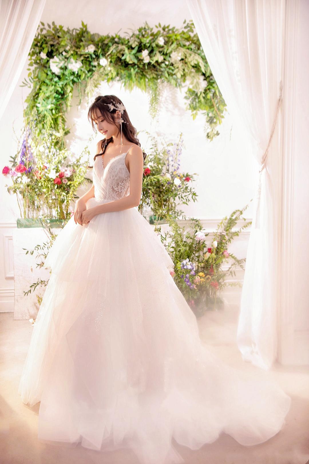 Wedding dress rental high-end brand Korean fresh fairy outdoor shooting light gauze thin tailing Ceremony Main dress