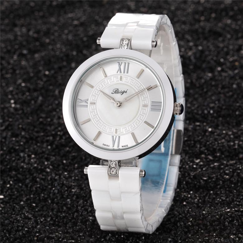 規格品のファッションの最新の韓国の爆発的なファッションの女性の陶磁器の腕時計の女性学生の時計の英倫のファッションの時計