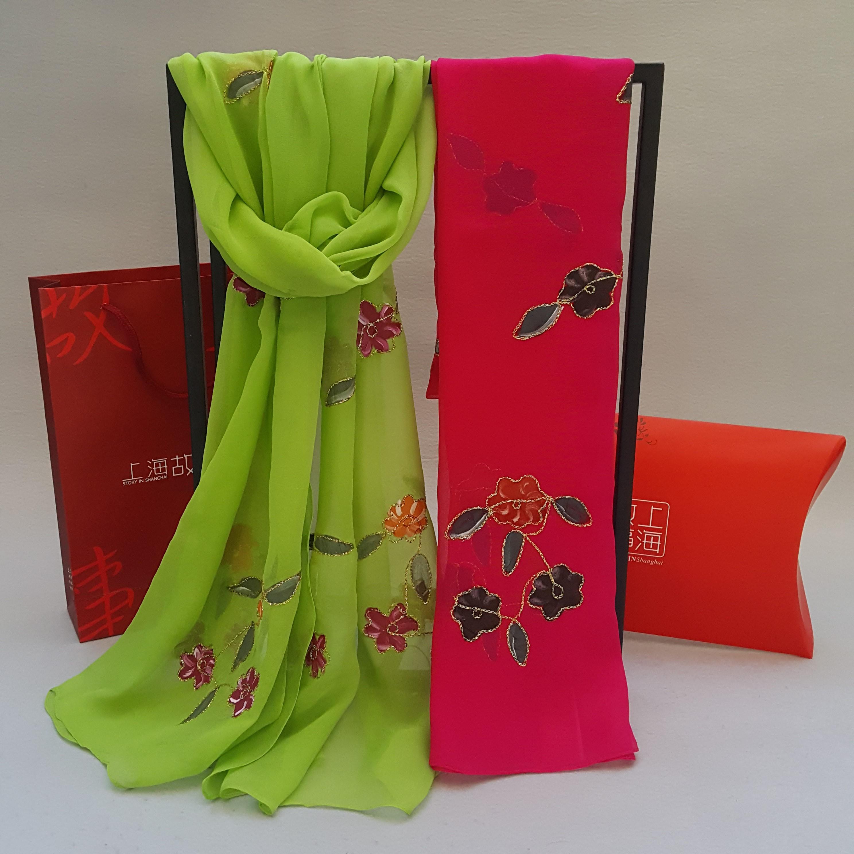上海故事桑蚕丝真丝巾秋冬季百搭长款丝绸围巾女金线盘花