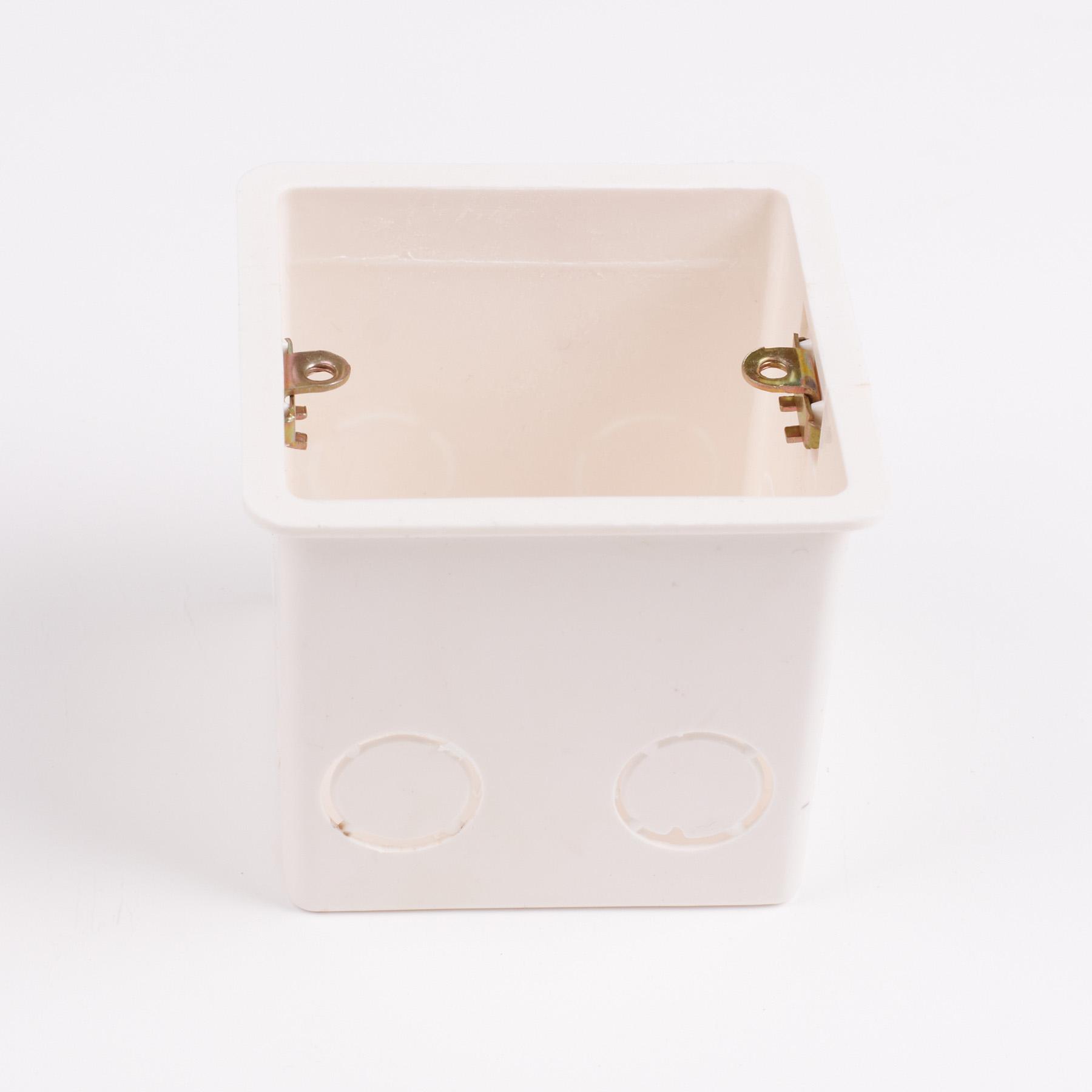 Электрическая коробка, углубились в конце 86 нижней строке не волнуйтесь поле в конце коробки глубина 7 см