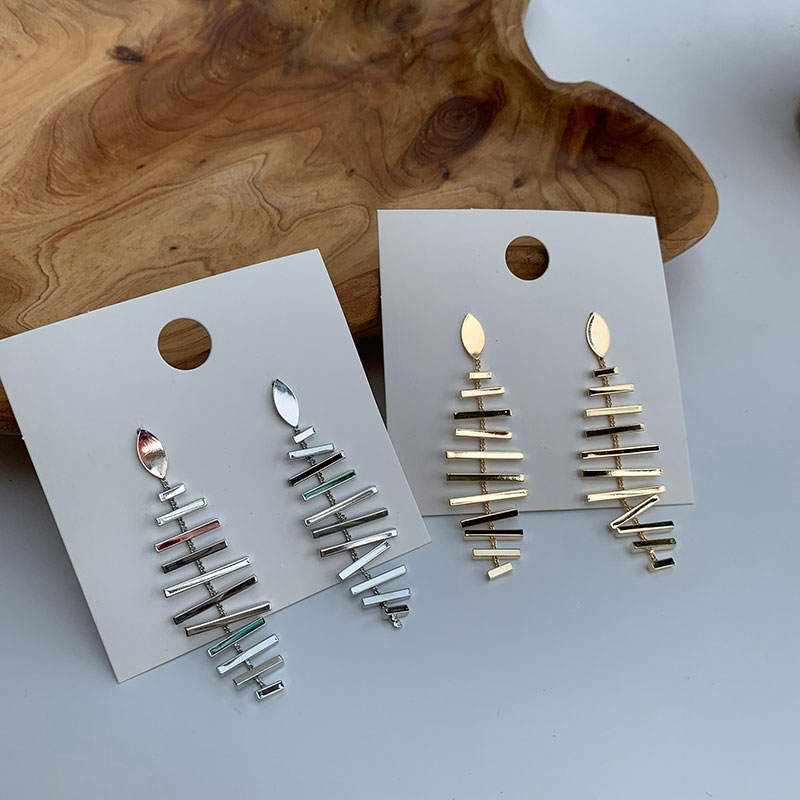 S925 silver needle cold wind versatile temperament fashion long metal fishbone European and American style personality exaggerated ripple Earrings