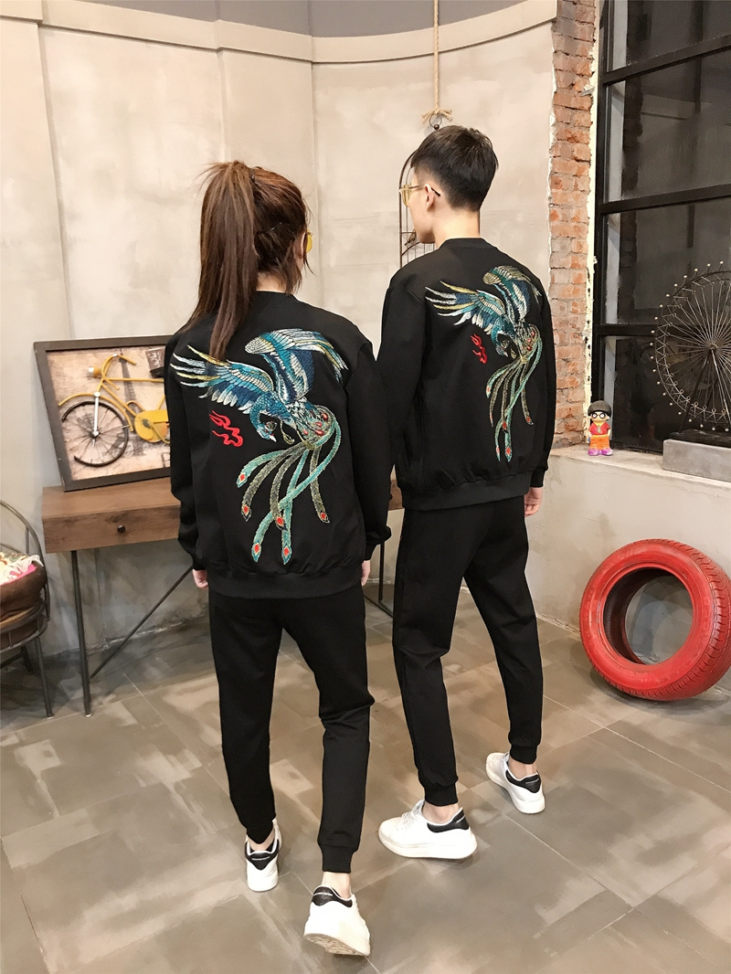 Couple leisure three piece suit 2020 spring and autumn new group purchase embroidered student sports suit fashion pants mens and womens wear