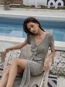 DiscoGlam花灰色短袖扭结开叉连衣裙女法式针织长裙遮肚显瘦夏