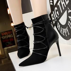 126-2欧美性感夜店骑士靴短筒显瘦修脚绒面交叉带细跟高跟女...