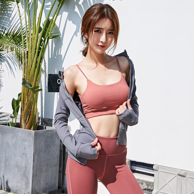 夏天薄款带胸垫女跑步动感单车健身服女运动背心时尚瑜伽三件套装