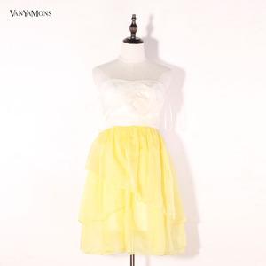 淡黄的夏大牌一字肩盘花真丝连衣裙