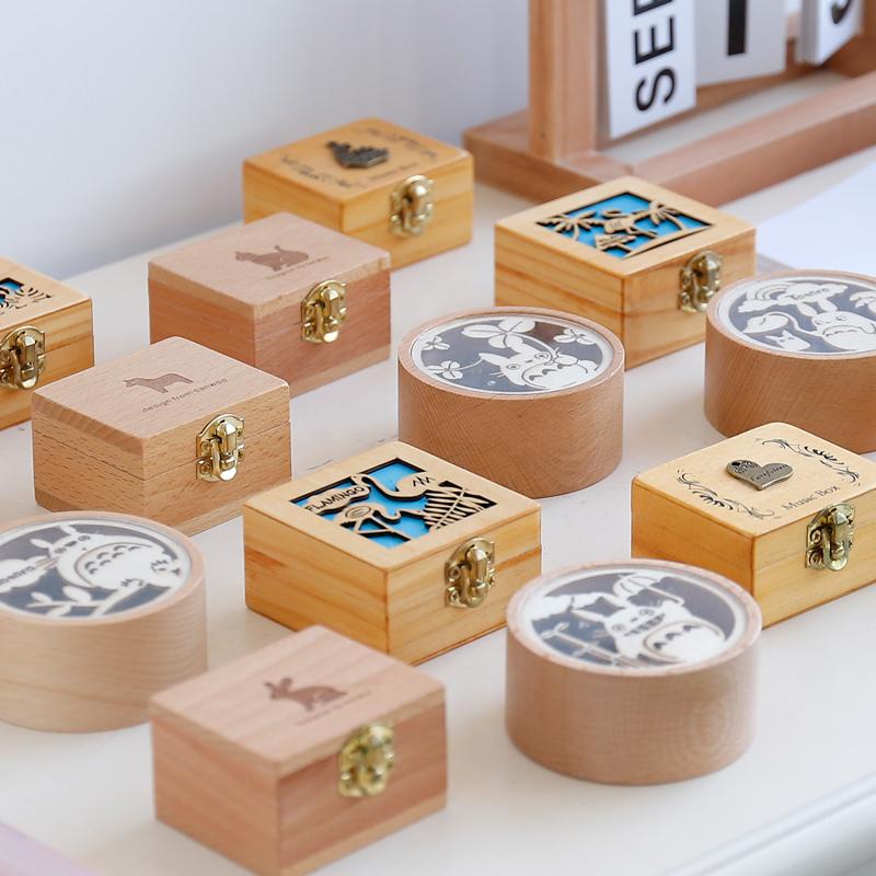复古木质手摇八音盒旋转发条式音乐盒创意圣诞节diy女生儿童礼物