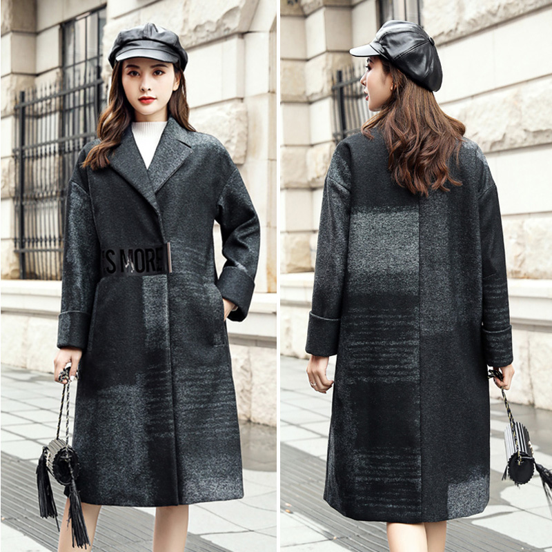 2020 winter new irregular black and white plaid shoulder sleeve woolen overcoat s184812