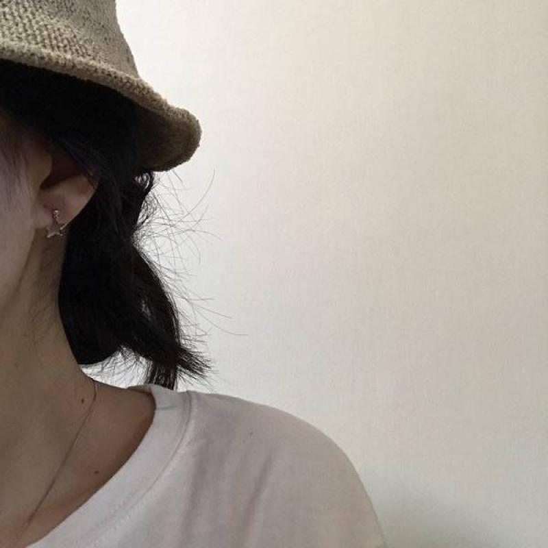 Ins Korean Earrings female students simple fashion Star Moon Earrings minimalist style earrings earrings earrings clip fashion