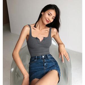 欧美ins潮外穿性感泫雅短款背心女高腰露脐上衣紧身V领内搭打底衫