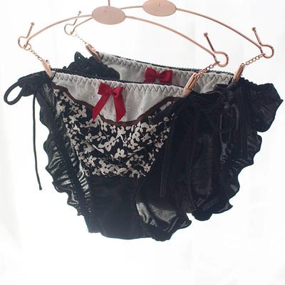 七了个三 舒适牛奶丝女士内裤黑色碎花系带少女胖次