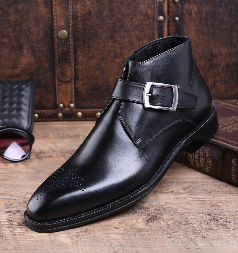 Noble atmosphere British fashion buckle soft leather carving business high top leather shoes mens handmade shoes thick soled Martin boots fashion