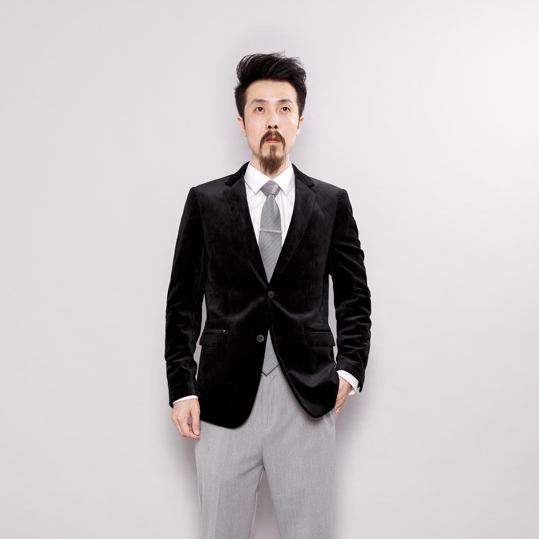 Mens jacket with golden velvet in English wind spring velvet slim fit single Western Korean casual velvet suit