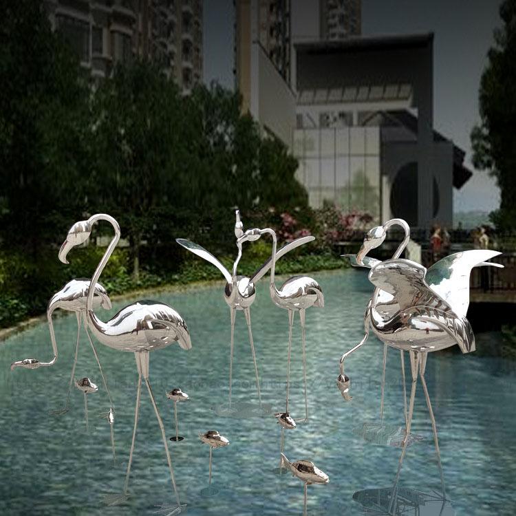 Indoor and outdoor garden garden waterscape pool green grass landscape installation art creative bird ornaments