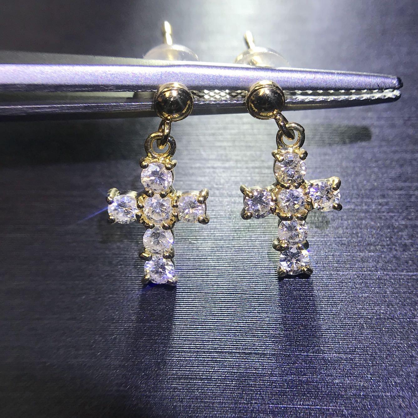 特别精致可爱的钻石十字架耳钉耳环~清新精美百搭,钻石白又闪