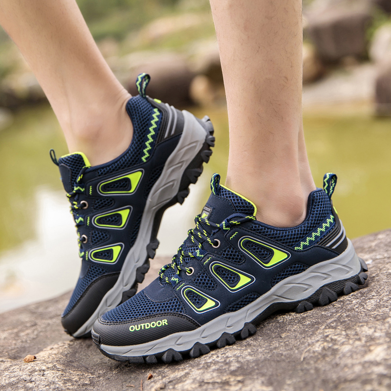 Low top outdoor shoes mens foreign trade desert hiking shoes womens light net surfaced couples mountain climbing shoes