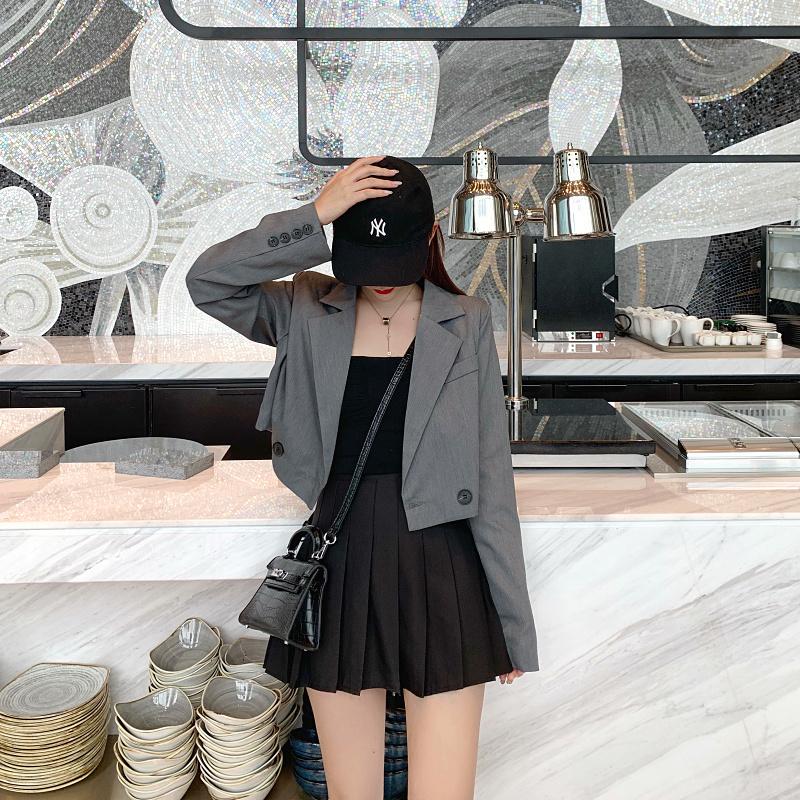 不低于00-00 實拍實價 翻領氣質網紅短款小西裝外套+高腰百褶裙