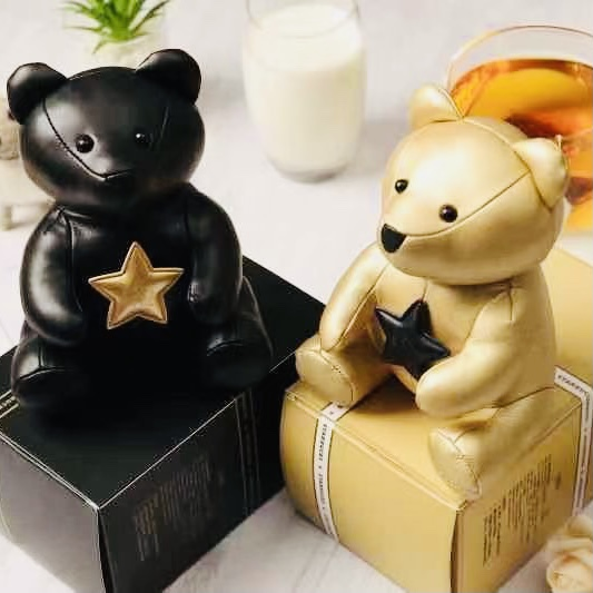 Starbucks 10 years old Star gift package Gold Black cute bear store manager Chain Pendant FREE badge package