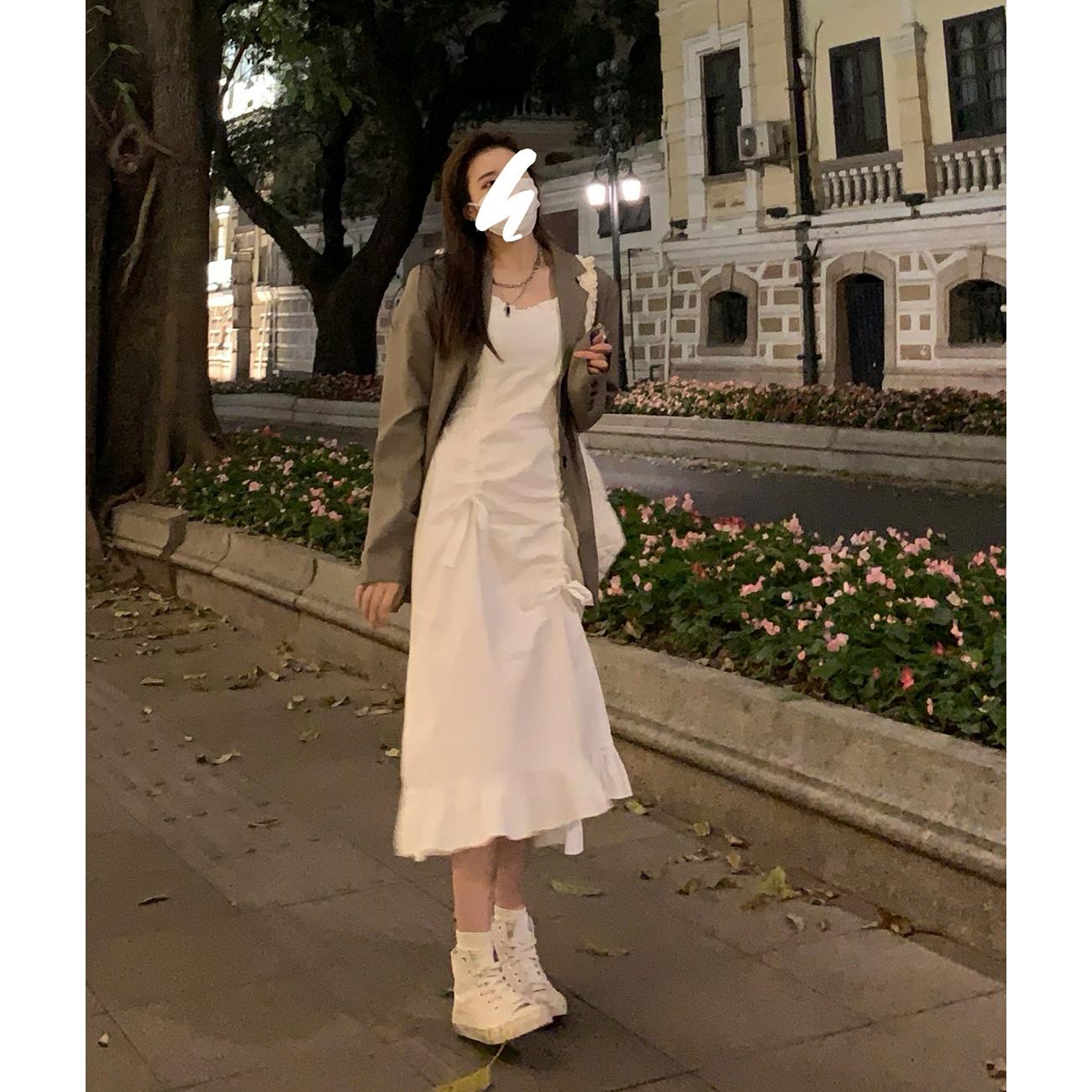 DREAMSEVEN77吊带连衣裙女2021年早春新款黑白色高级感荷叶边裙子