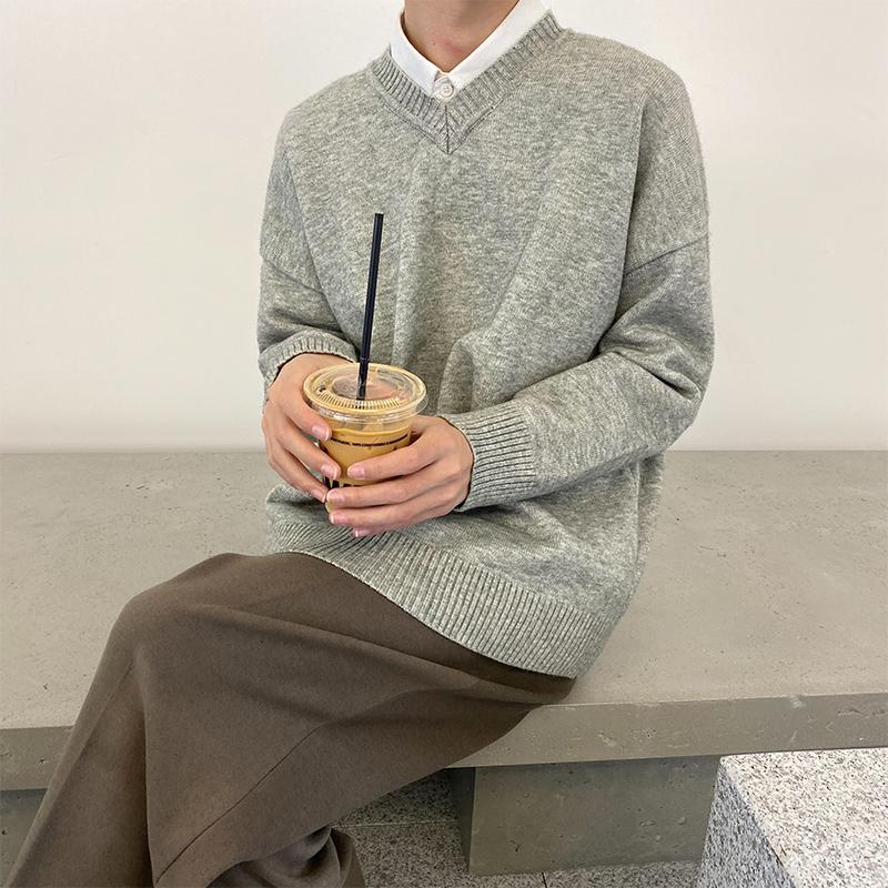 白口阳 外穿纯色V领学院毛衣打底2019年冬季新款潮流韩版宽松内搭
