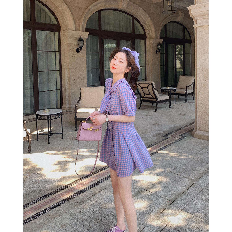 紫色格子连衣裙女2020年夏季新款韩版学生短款吊带裙子格子裙洋气图片