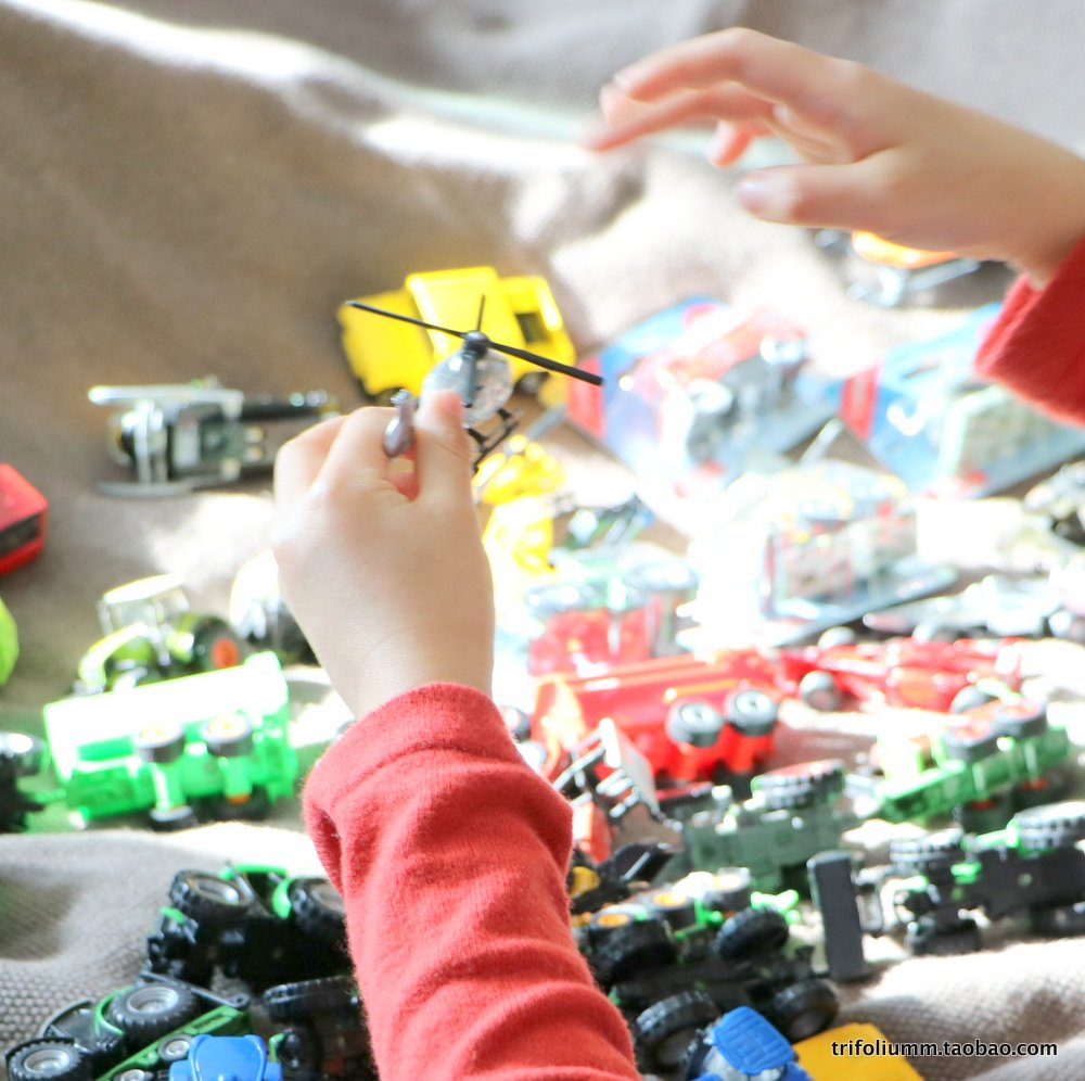出口德国各种各样的合金车模可推行再多也不嫌多的小车男孩玩具