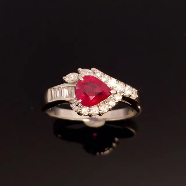 Ruby ring ~ simple and elegant style, very temperament, PT900