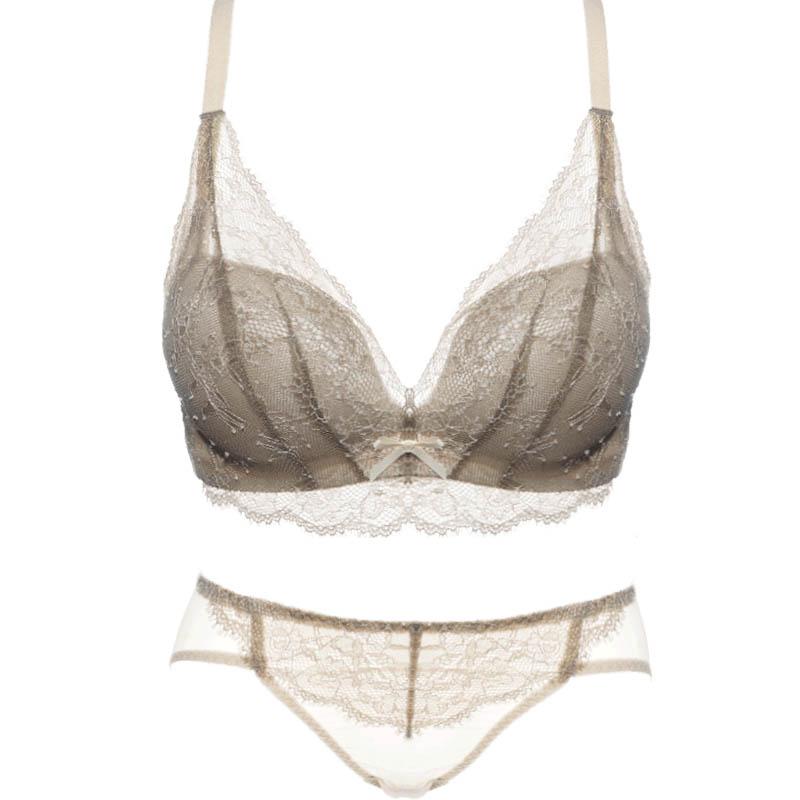 小胸无钢圈加厚调整型文胸套装胸罩评价如何