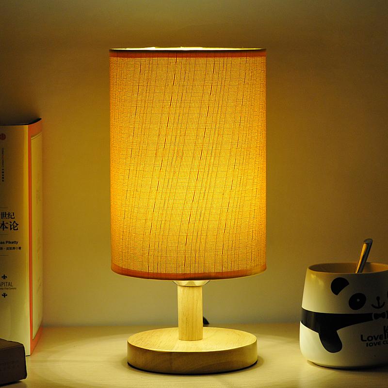 Твердой древесины простой creative стол лампа спальня кровать гостиной исследование лампа затемнение льна искусства современного IKEA настольная лампа
