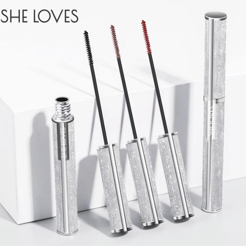 Mascara should not be dyed or dyed, waterproof, long, curly and lengthened.