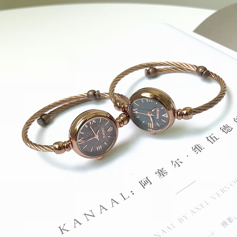2019 new Bracelet cool wind watch female students Korean version of retro xiaoqingxinsen womens Department simple and small hands