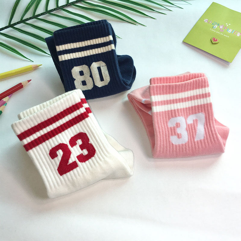 South Korean cotton socks with small white shoes, two bars, sports academy style nice socks, 23, number 56, female