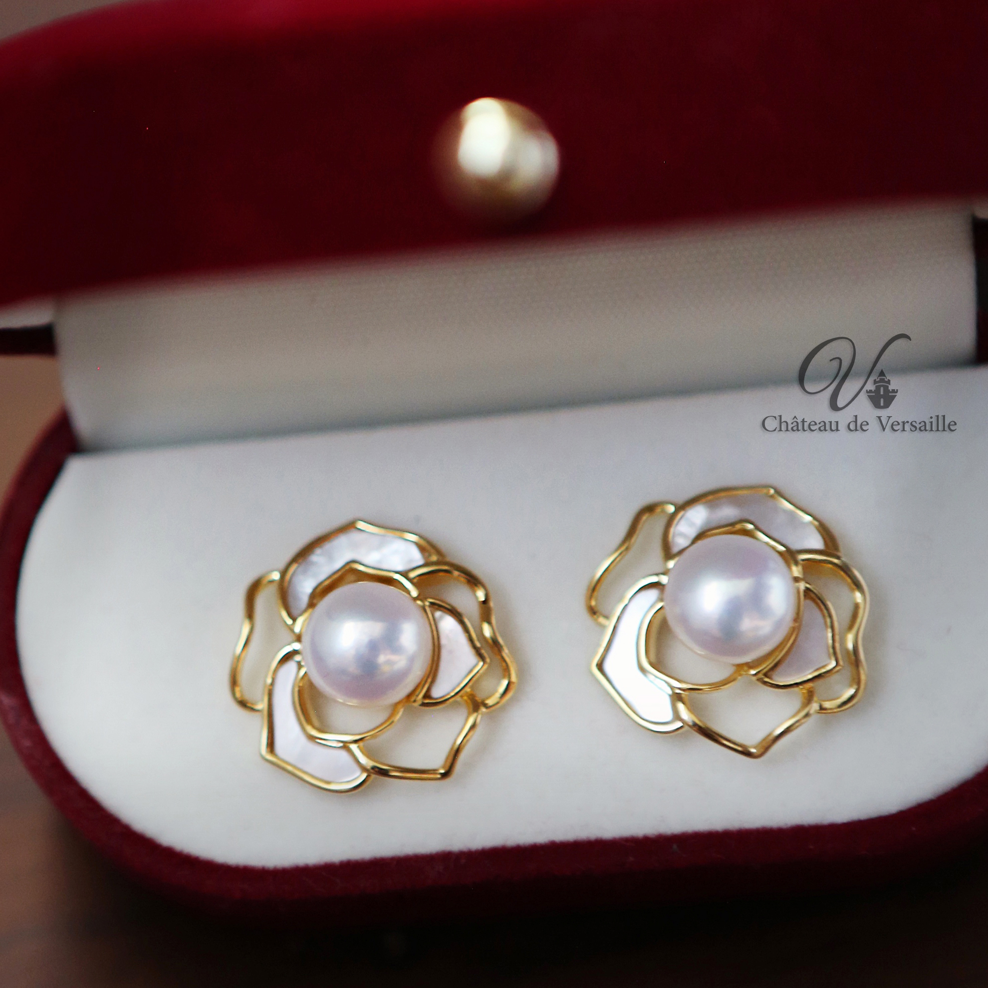 Japanese Light luxury natural white Fritillaria Earrings Camellia Fresh Water Pearl Earrings 925 silver plated gold needle Versailles Palace