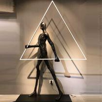 落地灯客厅北欧人体雕塑创意抱球现代样板间酒店售楼处摆件坐地灯