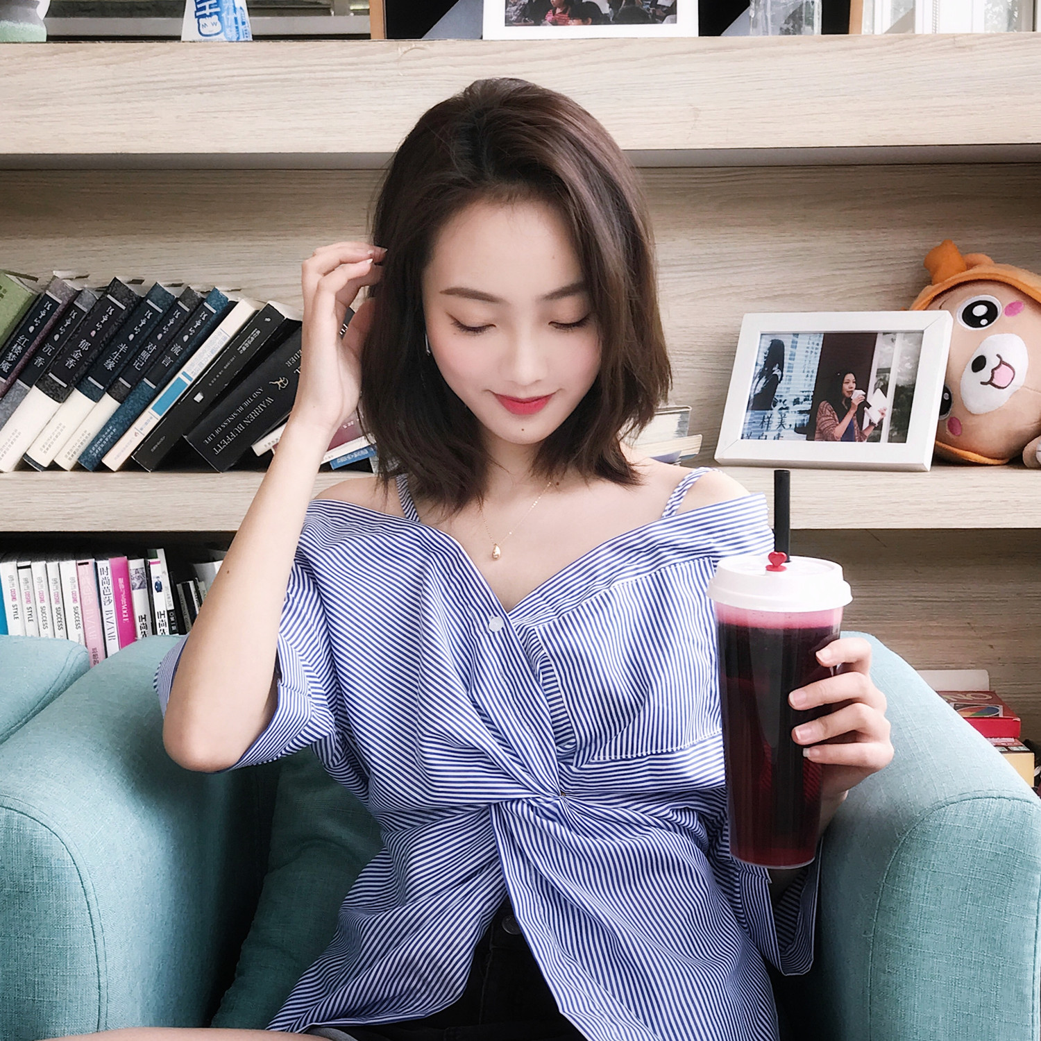 Chic off the shoulder shirt womens half sleeve irregular top summer off shoulder leakage double shoulder vertical stripe small and fashionable