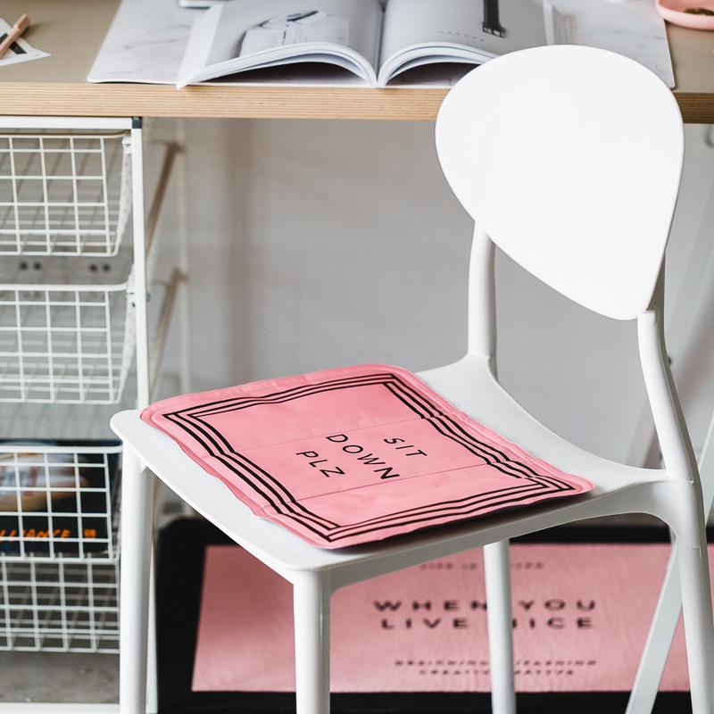 包邮 ins字母夏季冰垫办公室汽车坐垫宠物降温垫笔记本散热