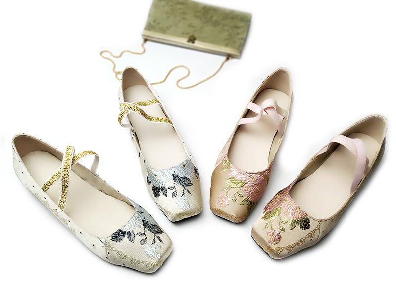 2019 autumn new folk style retro embroidery flat sole leather single shoes cross strap square ballet shoes