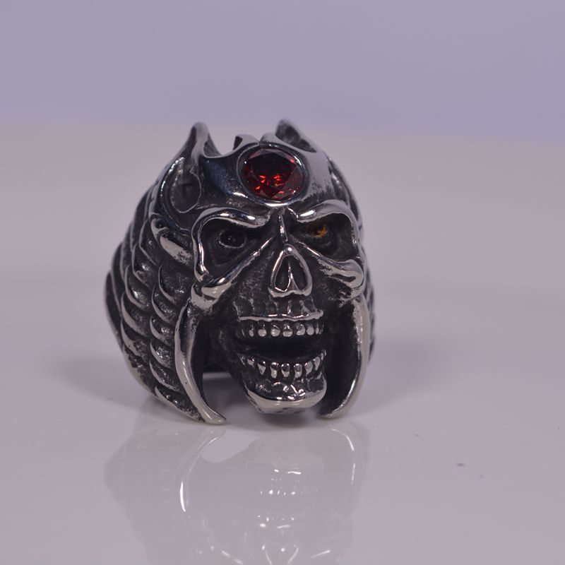 Stainless steel ring inlaid with gem armor, king of the demon world hand decoration 316L steel jewelry, social big brother titanium steel ring
