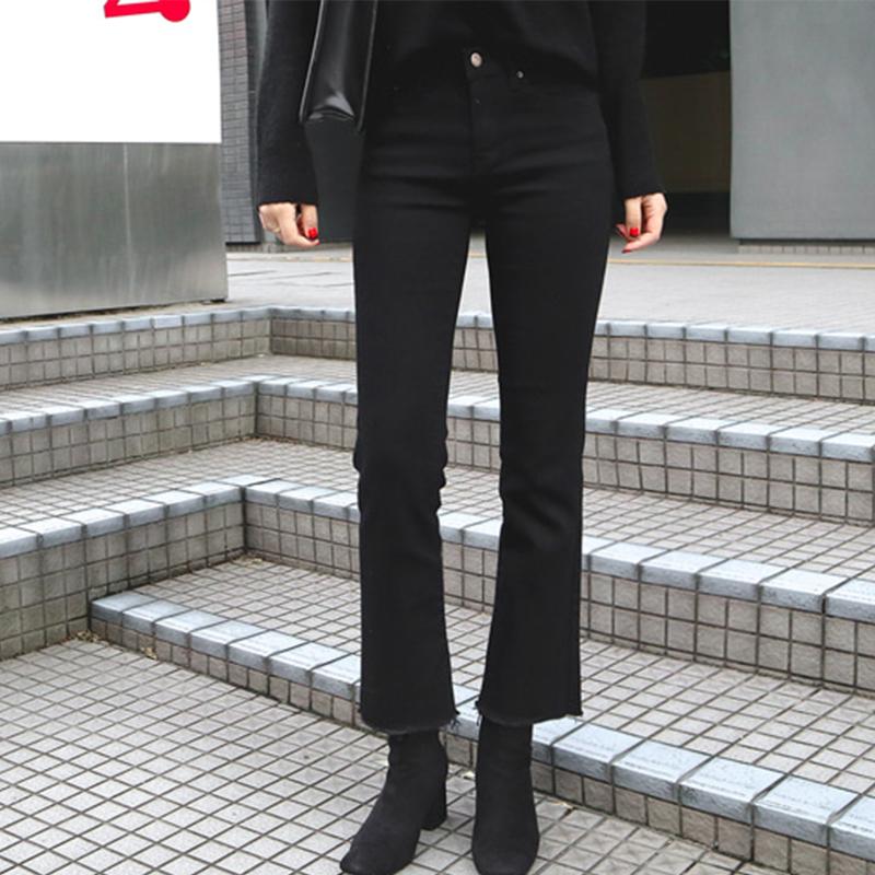 韩国九分直筒牛仔裤女2020秋冬新款高腰弹力黑色毛边八分微喇叭裤