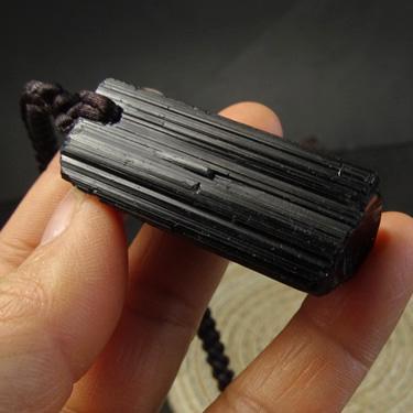 水玉冰魄天然黑碧玺晶柱挂件吊坠 托玛琳 原石矿标毛衣链实物