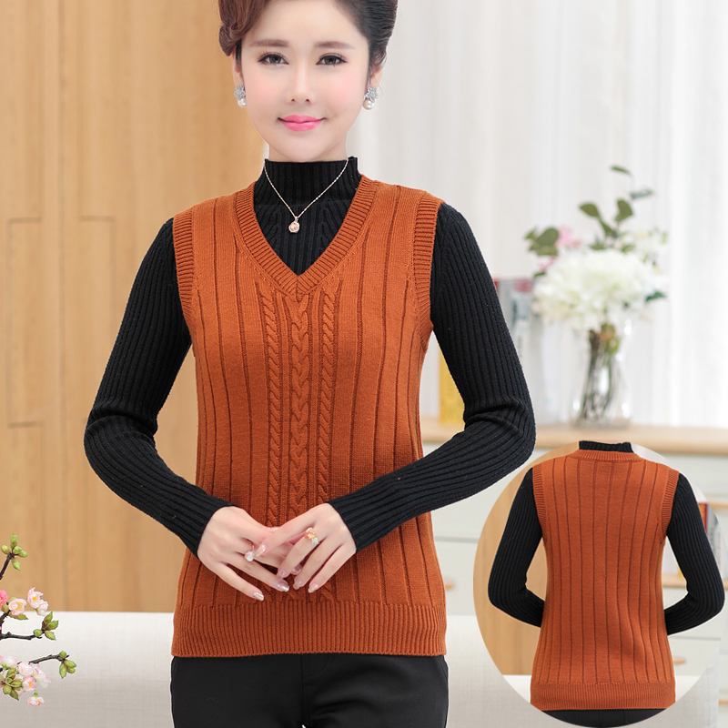 Spring and autumn middle-aged and elderly womens loose cashmere vest V-neck mothers knitted shoulder short sweater