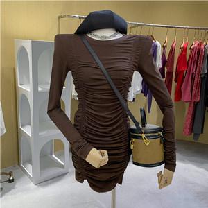 2021秋装轻熟风长袖T恤打底包臀裙子气质褶皱中长款针织连衣裙女
