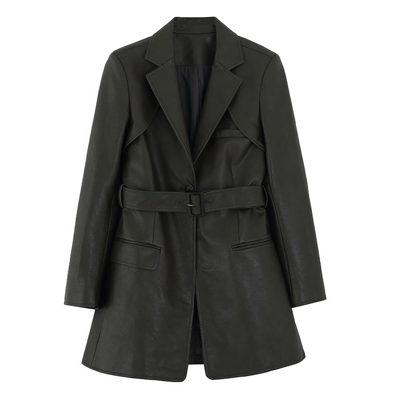 女皮衣穿什么打底:穿黑色皮衣的女明星