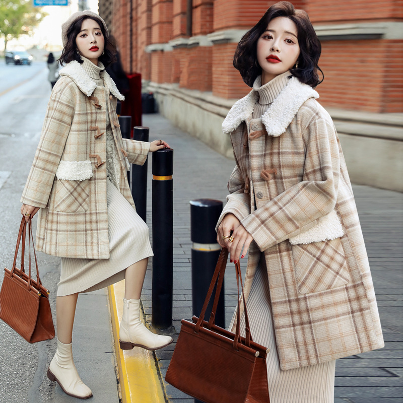 Plaid coat young Lolita 2020 winter wear new elegant temperament coat with cotton thickening and warmth