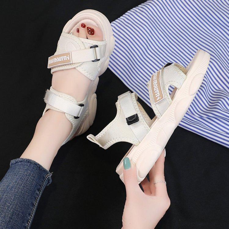 女大童凉鞋2019年新款韩版休闲12初中学生13岁15厚底11老爹晚晚鞋